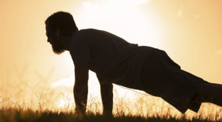 Men unable to complete ten push-ups risk heart disease: Study