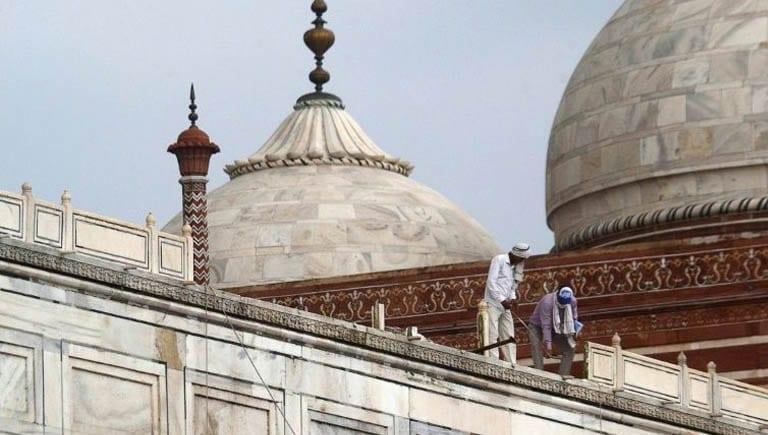 Taj Mahal slightly damaged in thunderstorm