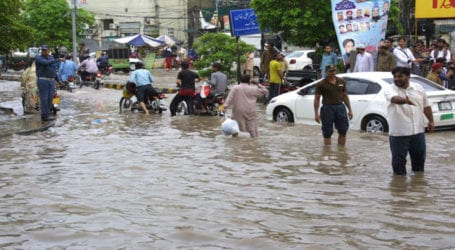 CM Buzdar visits different areas of Lahore after heavy rain