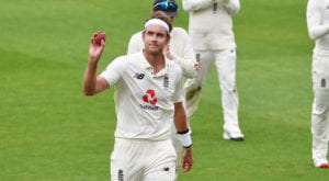 Stuart Broad joins Test cricket's 500 wickets club