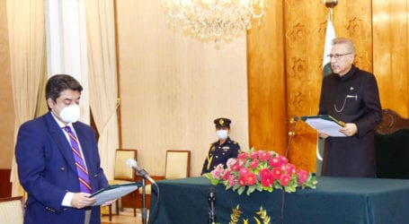 Farogh Naseem takes oath as federal minister for third time