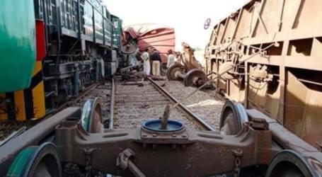 Two injured as Shalimar Express rams into freight train near Khanpur