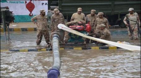 Pak Army relief operation continues in Sindh