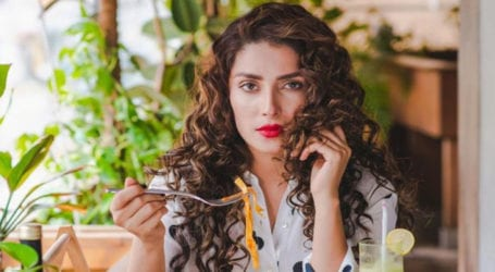 Ayeza Khan advises followers to eat healthy in order to stay fit
