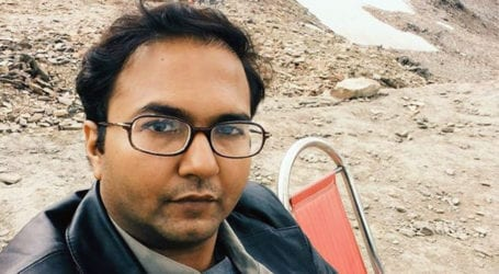 Journalist Bilal Farooqi arrested in Karachi for anti-military posts