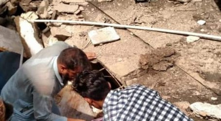 2 dead as factory roof collapses in Karachi's Shershah area