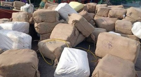 Smuggled clothes worth millions of rupees recovered in Karachi