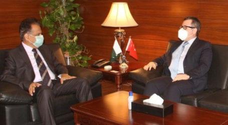 Turkey offers to run tram service in Karachi