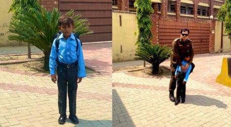 Policeman sends 7-year-old Miswak seller to school