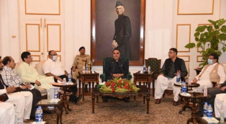 Governor Sindh, Asad Umar discuss Karachi projects with MQM-P