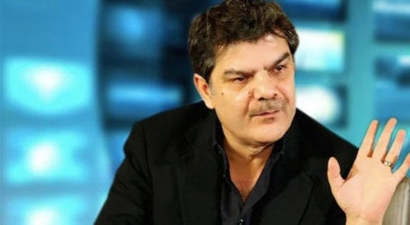 Pakistan should shake hands with Israel: Mubashir Lucman