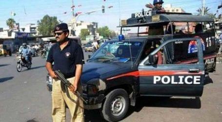 Pantless burqa man thrashed for harassing women in Karachi