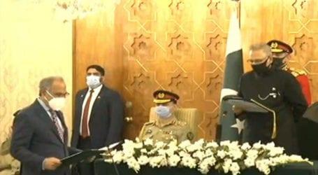 Hafeez Shaikh takes oath as Finance Minister