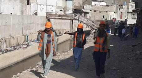 Anti-encroachment drive continues at Mehmoodabad nullah
