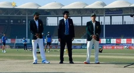 Pakistan, South Africa play first Test in Karachi after 14 years