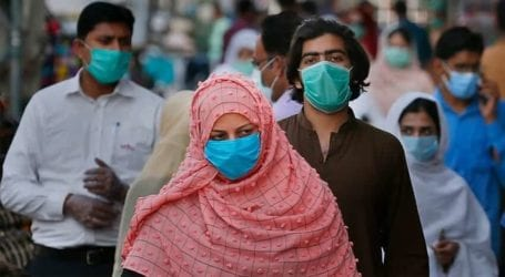 Coronavirus claims 48 more lives, infects over 2,400 in Pakistan