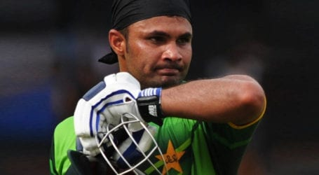 Imran Farhat retires from cricket after 24-year career