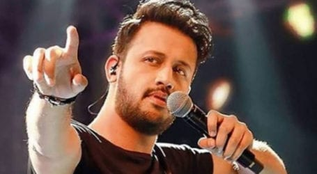 Atif Aslam finally releases much awaited music video 'Raat'