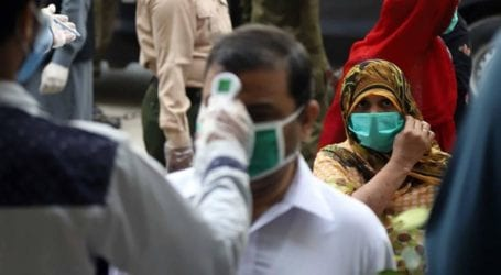 Coronavirus claims 62 more lives, infects over 1,000 in Pakistan