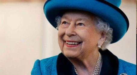 COVID shot is quick and doesn't hurt, says Queen Elizabeth