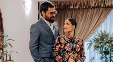Yasir Hussain publicly asks wife Iqra Aziz to repay his loan
