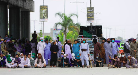 In Pictures: TLP holds violent protests, attack policemen across Pakistan