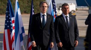 US Secretary of State Antony Blinken talks with Israeli Foreign Minister Gabi Ashkenazi. Source: Reuters