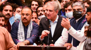 Foreign Minister Shah Mahmood Qureshi speaks to media after arrival at New Islamabad International Airport. Source: Facebook/SMQ