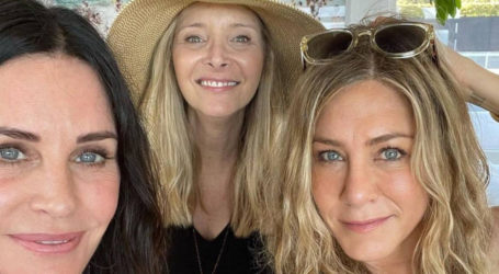 Monica, Rachel and Phoebe celebrate US Independence Day together