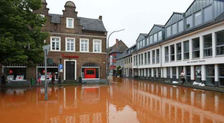At least 120 dead and dozens missing in Europe floods