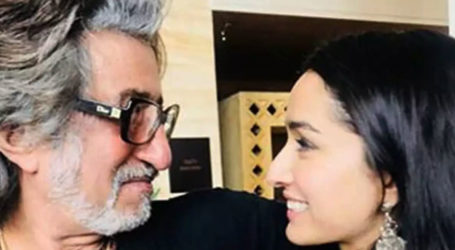 Shakti Kapoor to share screen with daughter Shraddha as 'Crime Master Gogo'