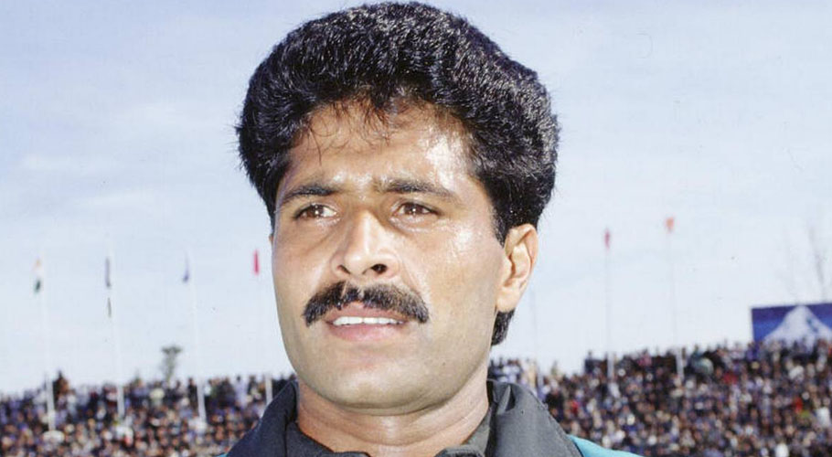 KARACHI: The Sindh government has announced to bear all the expenses of the treatment of former Pakistan hockey player Naveed Alam.