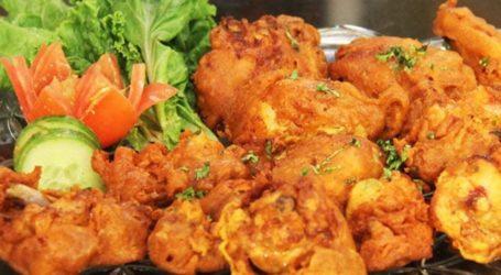 Enjoy delicious, crispy pakoras this rainy season