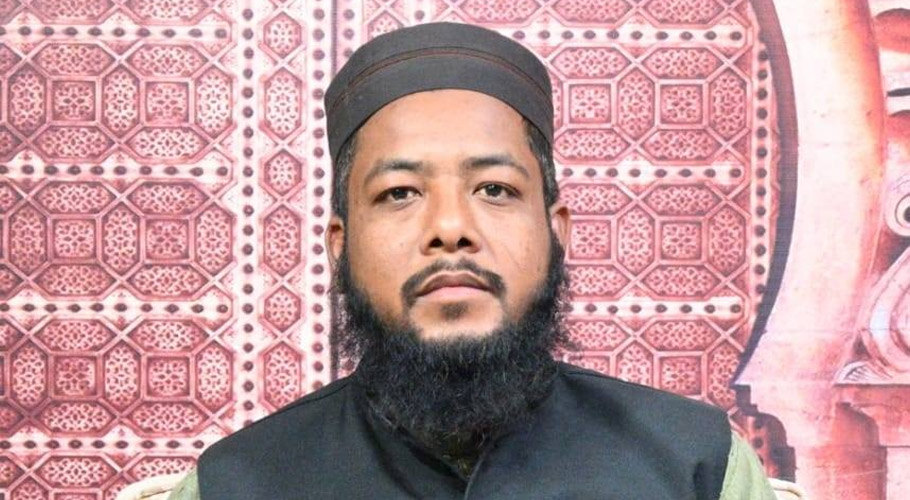 Mufti Mohiuddin Ahmed Mansoori is one of the prominent religious scholars of Pakistan and a prominent personality in the field of religious issues