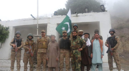 Five Afghan soldiers who sought refuge in Pakistan return home