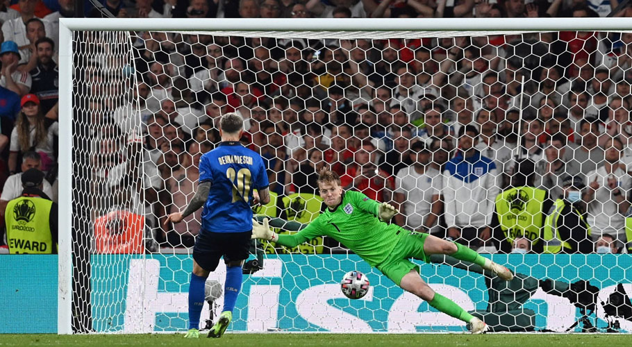 Italy's Federico Bernardeschi scores a penalty during a penalty shootout. Source: Reuters