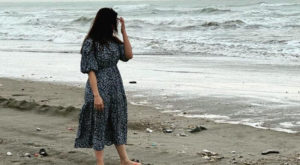 Actress Minal Khan, who recently took a beach walk in Karachi's Seaview seems unhappy with the current situation of the beach.