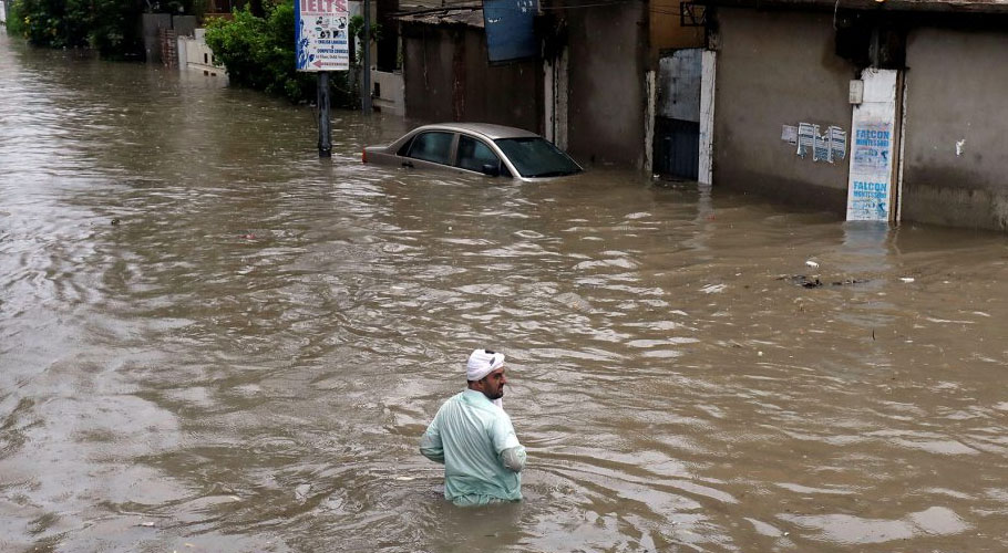 Pakistan Meteorological Department already forecasted monsoon rains in Karachi starting from 15th July. However, today, the city received the first spell of rain.